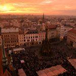 あまりにも美しいオロモウツの夕暮れ時のクリスマスマーケット!この光景は生涯忘れることはないでしょう(チェコ滞在5日目ダイジェスト)  #visitCzech #チェコへ行こう #link_cz