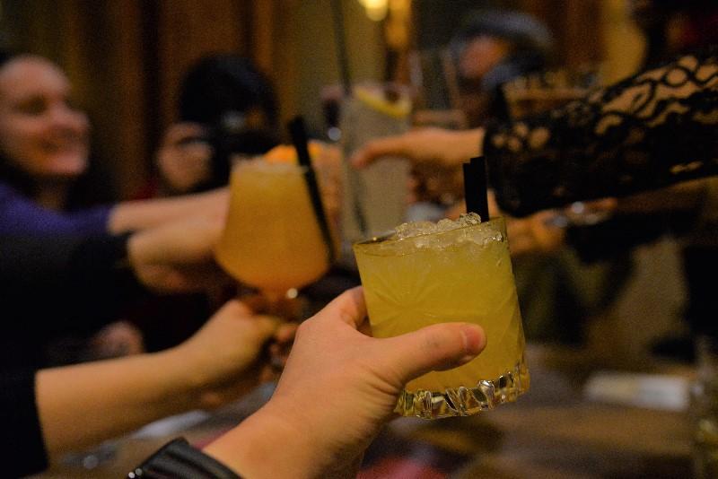 ブルノのバーで乾杯