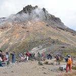 栃木県の茶臼岳で那須ロープウェイの山頂駅から牛ヶ首までのお気軽トレッキング 往復1時間で最高の景色を見ることができますよ!
